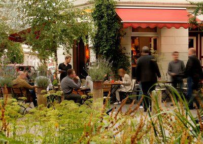 Restaurant_draussen_01
